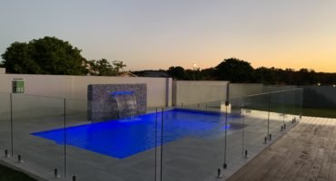 Concrete pool builder in Arundel Gold Coast - Cozy Pools